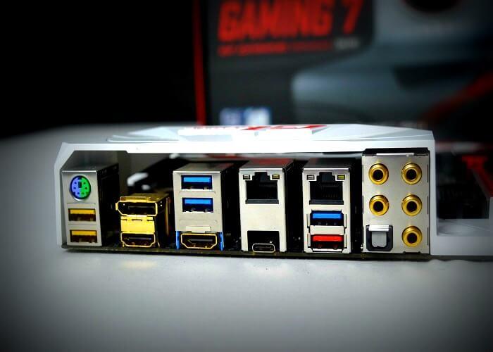 Gigabyte Z170X Gaming 7 panel trasero