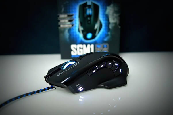 Sharkoon SGM1 iluminado