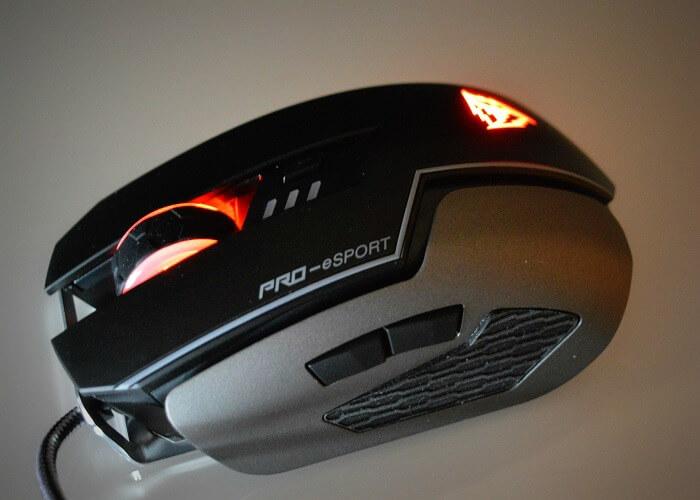 ThunderX3 TM60 led1