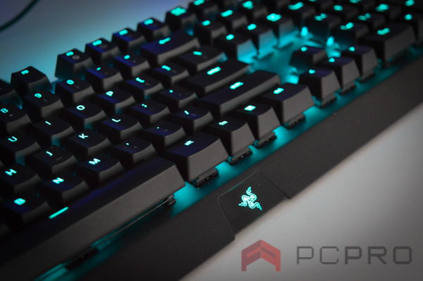 Review Razer Blackwidow X Chroma-2